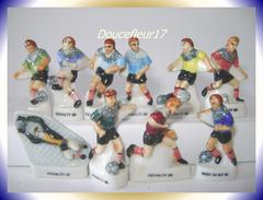Foot .. Droit Au But Ou Pénalty...série De 10 Fèves .. Ref. AFF : 14-1998 ..( 0031) - Sports