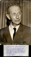 PHOTO - Photo De Presse - ANDRE LWOFF - Prix Nobel De Biologie - Lauréat Du Prix Albert Einstein - 1967 - Célébrités