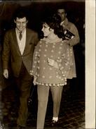PHOTO - Photo De Presse - LIZ TAYLOR - Actrice - Eddie Fischer - 1962 - ROME - Célébrités