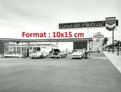 Reproduction D´une Photographie D'une Station Essence Casa De Petrol - Reproductions