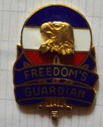 Pin´s  Badge Logo USA A Définir EGF - Altri