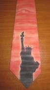 Cravatta  Aerografata Statua Della Libertà - Acrilici