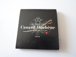 BOITE D ALLUMETTES CHAMPAGNE CANARD DUCHE 1868   ****   A  SAISIR ******* - Matchboxes
