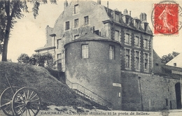 CPA CAMBRAI - L'HOPITAL MILITAIRE ET LA PORTE DE SELLES 1907 - Cambrai