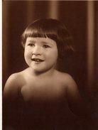 Photo Originale Joli Portrait De Bébé Identifié - Future Madame Jacques Patten à Londres En 1932 - Personnes Identifiées