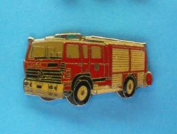 1 PIN'S //   ** FPT BELLEME ** SUR CHASSIS RENAULT S170 ** ÉQUIPÉ PAR CAMIVA ** - Pompieri