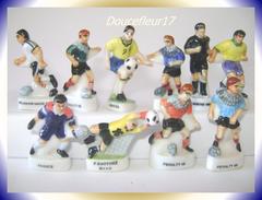 Foot, Melange De Joueurs  ..  Lot De 10... Ref. AFF : 1998 ...(pan 0031) - Sports