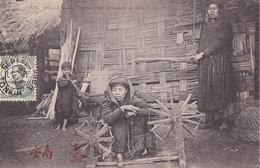 26229 VIET NAM - TONKIN - Bac Kan -femme Tho Devidant La Soie  - 725 Dieulefils -rouet - Viêt-Nam