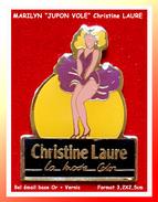 """SUPER PIN´S MARILYN """"Jupon Vole"""" : PIN-UPS Pour La Marque De Vêtement Christine LAURE, émail Base Or + Vernis - Pin-ups"""