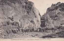 CPA De  LA CHAPELLE Sous DUN  (71) - Les PRISONNIERS ALLEMANDS à La CARRIERE Des MOCQUETS  - Cliché J. MONNET - Otros Municipios