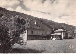 """74 - SEVRIER : Foyer Communautaire Urbain """" Le Carrefour De L'Amitié """" - CPSM GF Dentelée GF 1952 -  Haute Savoie - Autres Communes"""
