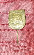 FUŽINE CROATIA 1954. SLET PLANINARA, MOUNTAINEERS MEETING, RARE VINTAGE PIN BADGE - Pin's