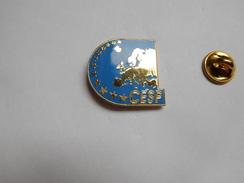Superbe Pin's En EGF  , Police Nationale , Conseil Européen Des Syndicats De Police - CESP - Polizia