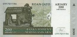 MADAGASCAR 200 ARIARY 2004 (2016) P-87c UNC SIGN. A. RASOLOFONDRAIBE [ MG321c ] - Madagascar
