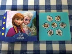 7 Fèves Serie Complete La Reine Des Neiges Pasquier Disney Et Sa Boite - Disney