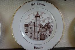 * Dadizele (Moorslede) * 2 Unieke Borden DADIZELE Porselein (g Swaenepoel) Te Ieper - Ceramics & Pottery