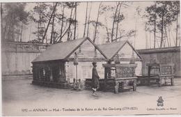 LB 17 : VIET  NAM :  Annam , Hué  Tombeau  De La  Reine  Et Du Roi  Gia-long - Vietnam