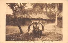 LIBERIA / Chasseur D'éléphant Haut Cavally - Liberia