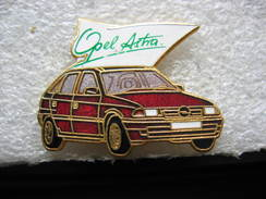 Pin's Voiture OPEL Astra - Opel