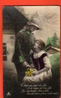 IBV-05  Militaire Et Sa Bien-aimée. Jour De Fête à La Vigne Où L'on Fête Les Vendanges Non Circulé - Patriottisch