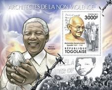 TOGO 2011 SHEET ARCHITECTS OF NON VIOLENCE NELSON MANDELA MAHATMA GANDHI ARQUITECTOS DE LA NO VIOLENCIA  NOBEL Tg11519b - Togo (1960-...)