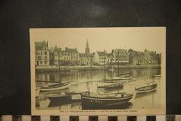 CP, 44, LE POULIGUEN, Le Port Et Le Quai, Vers L'église - Le Pouliguen