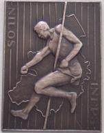 2 Médailles. INEPS - NILOS. Tests Athlétiques. Atletische Testproeven. 1963 - 1961. 40x30 Mm -8 Gr. - Professionals / Firms