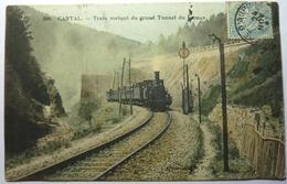 TRAIN SORTANT DU GRAND TUNNEL DU LIORAN - CANTAL - Francia