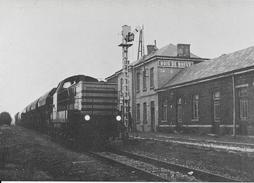 { DGFT - 46 - } SNCB - Bois De Breux - Locomotive Diesel Type 82 - Trains