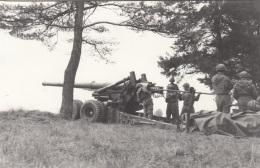 Foto, Soldaten Beim Laden Eines Geschützes, Ak Größe - Manöver