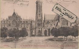 75 Paris - Cpa / La Mairie Du 1er Arrondissement Et L'Eglise St-Germain L'Auxerrois. - Arrondissement: 01