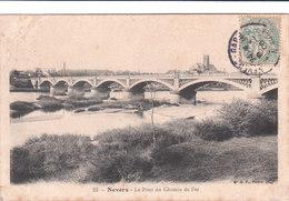 Carte Postale Ancienne De La Nièvre - Nevers - Le Pont Du Chemin De Fer - Nevers