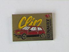 Pin's JO - RENAULT CLIO PARTENAIRE OFFICIEL - Jeux Olympiques