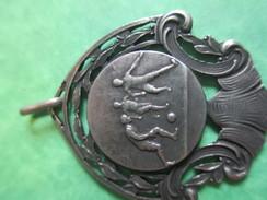Médaille De Sport/Foot-Ball/ Bronze Nickelé Mat/Grand Café /BOULOGNE Sur MER/Ouvragée/ Vers 1920-1940          SPO119 - Football