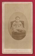 Photographie Ancienne Ou CDV - Studio Tewis Michelsen à Lure - Portrait D'un Jeune Enfant - Personnes Anonymes