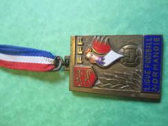 Médaille De Sport/Foot-Ball/ Ligue De Foot De Normandie/Bronze Nickelé/Henri Martin /1966      SPO132 - Football