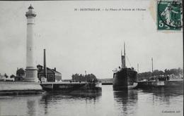 CPA - FRANCE - Ouistreham Est Situé Dans Le Départ Du Calvados - Le Phare Et L'Entrée De L'Ecluse  - Daté 1911 - TBE - Ouistreham