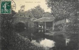 CPA - FRANCE - Varaville Est Situé Dans Le Départ. Du Calvados - Le Lavoir Animé - Daté 1911 - TBE - France