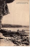 FR-64: HENDAYE: Pêcheurs Dans Les Rochers - Hendaye