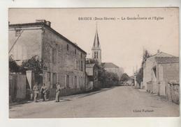BRIOUX - La Gendarmerie Et L'église - Brioux Sur Boutonne