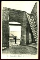 La Porte De L' Avancée - 86 (Beau Plan Avec Pêcheur) - Le Mont Saint Michel