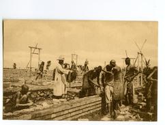 C 19826   -   Le Père Dufays Construit La Mission De Mugerero  -  Missions Des Pères Blancs - Belgian Congo - Other