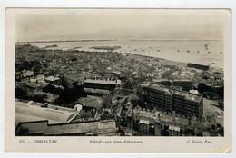 GIBRALTAR   A  BIRD'S EYE VIEW OF  THE  TOWN   (FLAMME)         2 SCAN    (VIAGGIATA) - Gibilterra