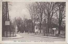 91 - Ris-Orangis - Entrée Du Parc Avenue Daumesnil - Circulé En 1951 - TBE - Ris Orangis