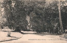 CPA 79   Ménigoute La Brouinière Le Parc - France