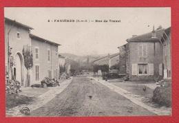 Favières --  Rue De Travel - France