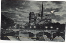 REF283 PARIS LA SEINE LE PONT DE L ARCHEVECHE NOTRE DAME ET SON ABSIDE LA PREFECTURE DE POLICE VUE DE NUIT VOIR DETAIL - Paris La Nuit