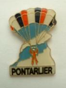 PIN´S PARACHUTISME - PARACHUTE - PONTARLIER - Parachutting
