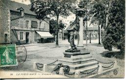 N°47539 -cpa La Ferté  Macé -monument Aux Morts- - La Ferte Mace