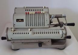 Belle Et Ancienne Machine A Calculer, Marque M.J. Rooy En état De Fonctionnement - Sciences & Technique